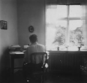 An der Schreibmaschine in Uppsala